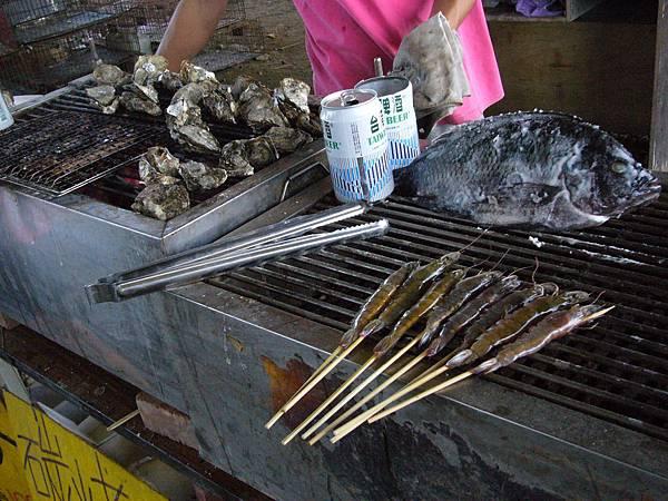 炭烤帶殼牡蠣1.JPG