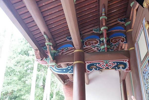 屋簷的裝飾.JPG