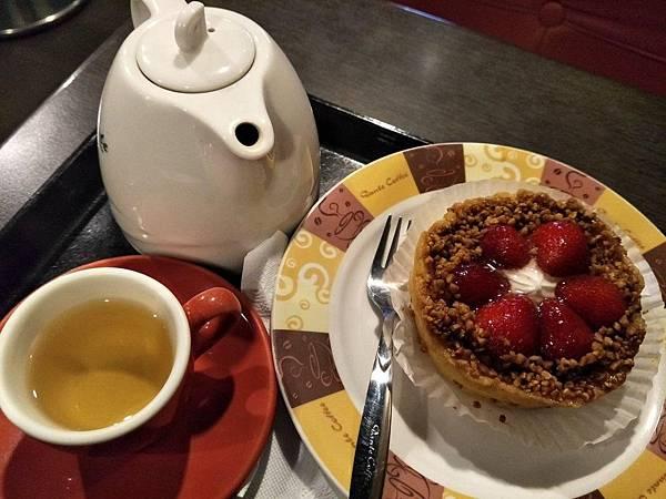 叫我小虎媽【食】下午茶輕食早午餐鬆餅蛋糕咖啡冰沙@丹堤1