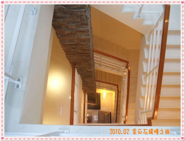 111樓梯.jpg