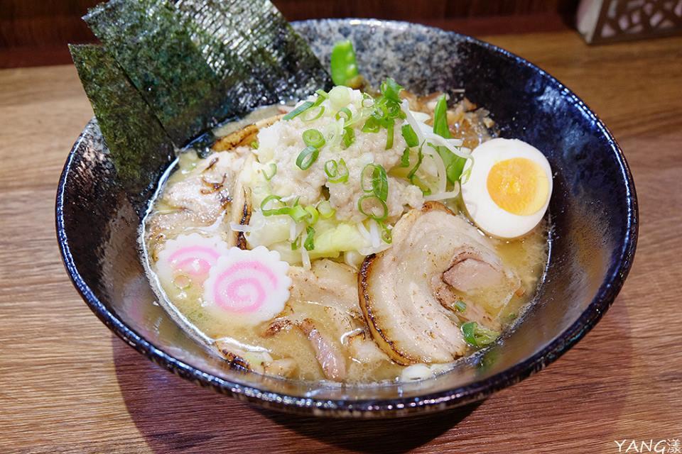 麺屋壱の穴--二郎風ラーメン