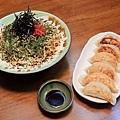 炒麵與煎餃