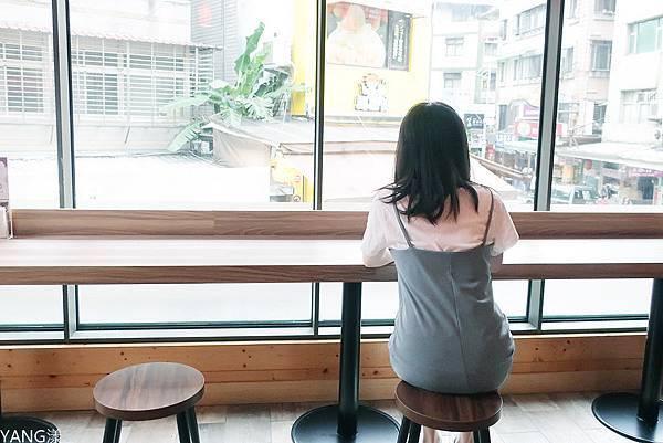 呷七碗食堂