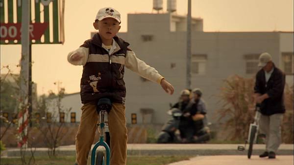 遙遠星球的孩子_蔡傑騎單輪車.jpg