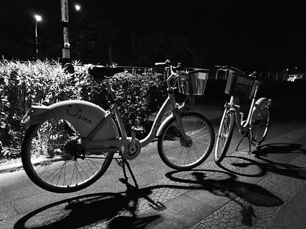 黑白-2.jpg