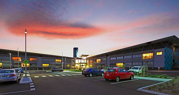 58460-hotel-overview-1-travelodge-hobart-airport