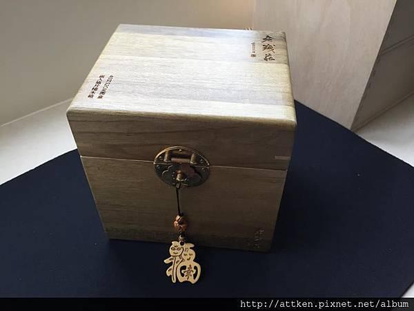 嵌入插片樟木盒 (5).jpg