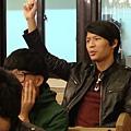 同學舉手發問