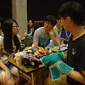 同學在討論小組成果劇情01.JPG