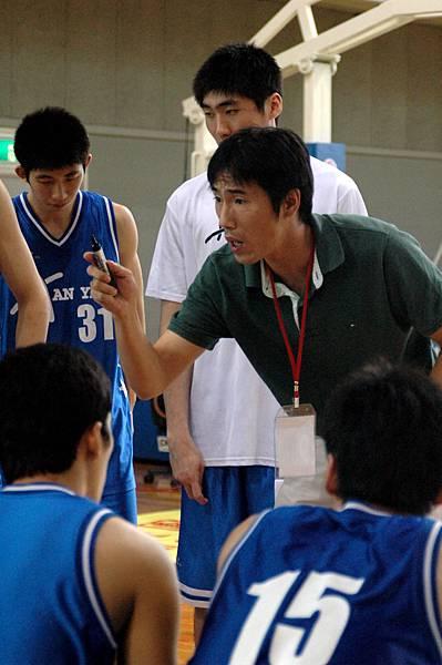 韓國教練李相泳