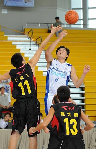中華隊與中國隊跳球