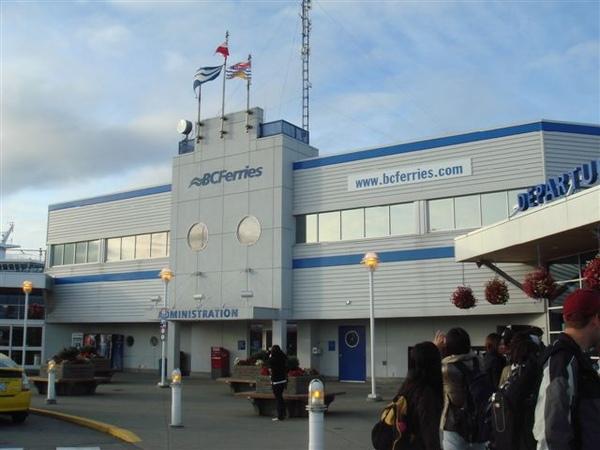 準備搭船去溫哥華島~BC省的首府維多利亞市就在島上