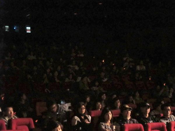觀眾幾乎都有留下來聽映後座談