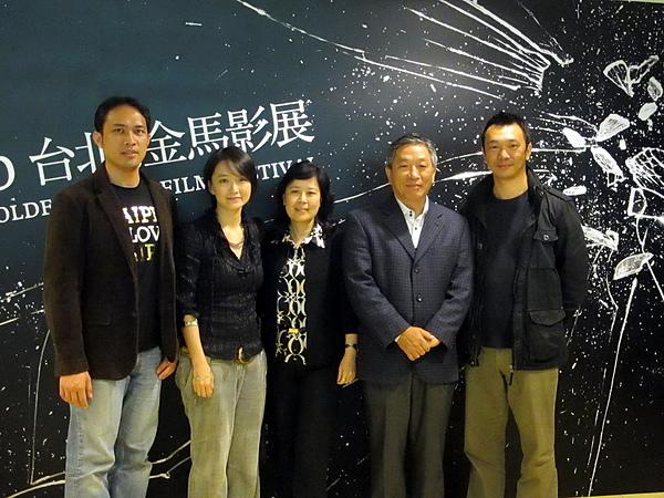 和前台灣駐吐瓦魯賢伉儷合照
