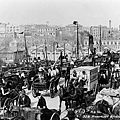 1900 circa. A busy Pyrmont Bridge.jpg
