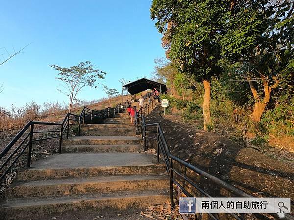十字架山 樓梯.JPG