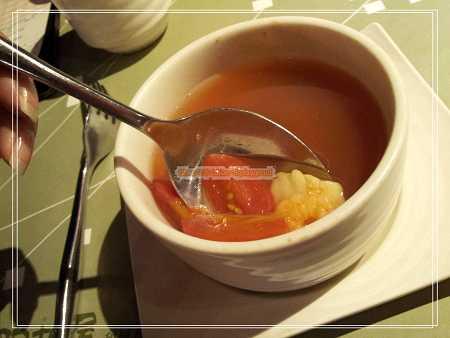 蕃茄海鮮清湯