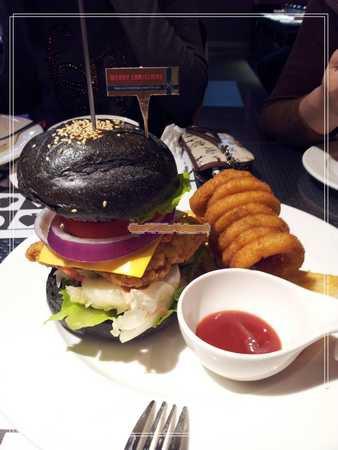 變身漢堡.jpg