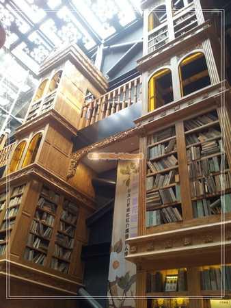書櫃們.jpg