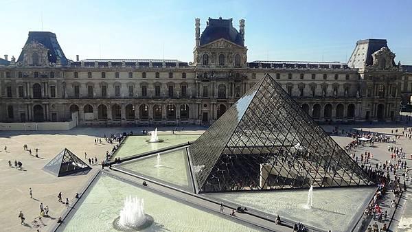 pyramid-495426_1280.jpg
