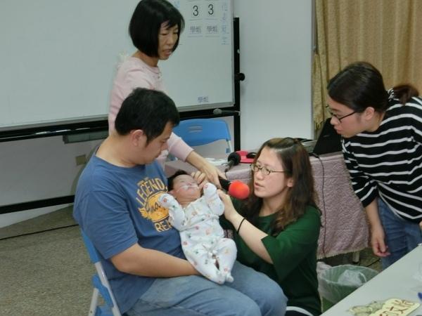 600-C顱顏新生兒父母喘息服務方案,將規劃特殊照護培訓課程,讓服務員更熟習特殊照護技巧,除能提供服務外,亦能示範給家長看,讓家長能更加熟練。.jpg
