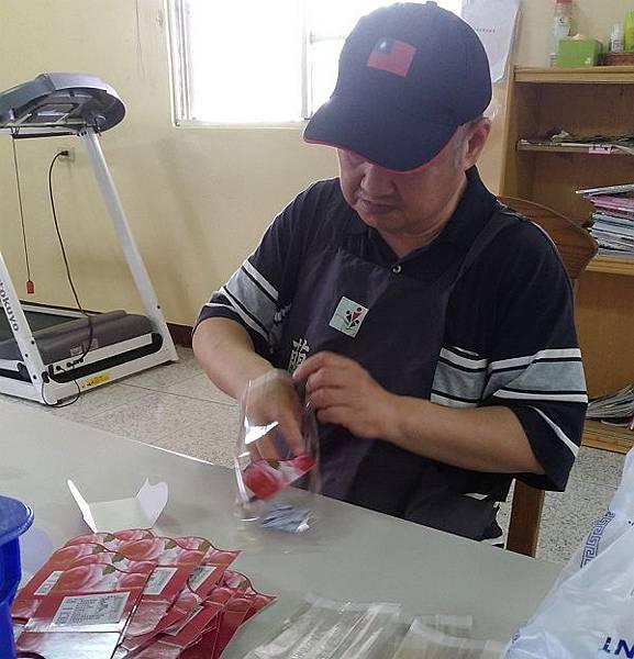 600-蘭智-文稿二-阿華用心包裝手做餅乾.jpg