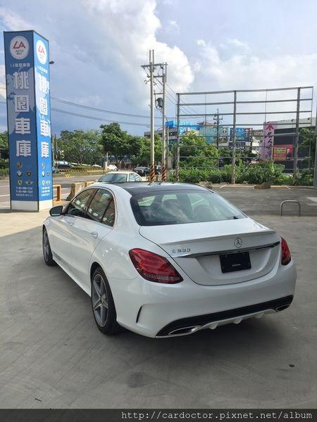 2018最新賓士W205 Benz C300 外匯車買賣 - 數十台各種年份顏色配備價格可供選購,價格約130-160萬,要買要快。買賣賓士W205 C300外匯車推薦建議LA桃園車庫。