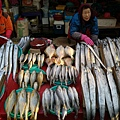 札嘎其市場魚貨2