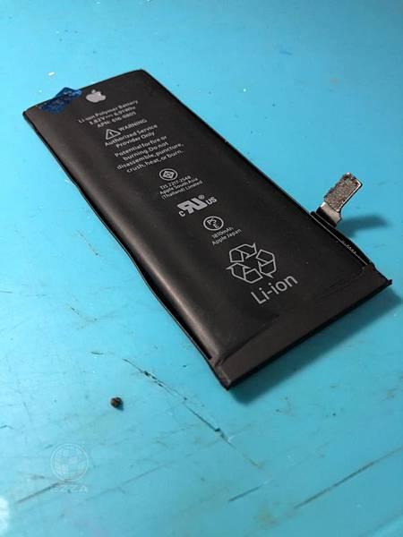 IPHONE6再次換電池 (1).jpg