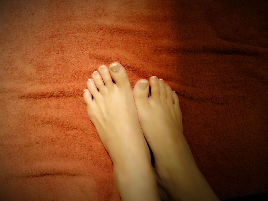 """台北SPA推薦心靈漫步夏日美足""""讓我竻的腳美美的,配上涼鞋秀上我的美足"""