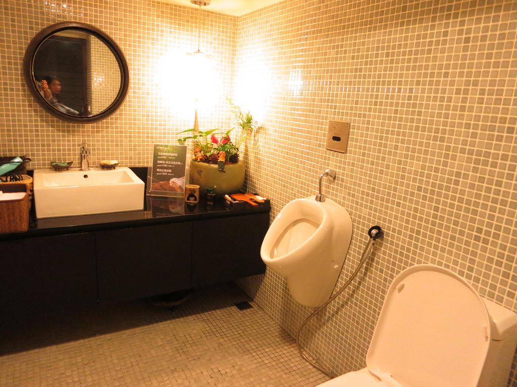 台北SPA推薦心靈漫步的化妝室如同五星級飯店規模