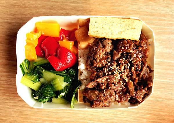 「江太壽司便當」日式薑汁燒肉飯,台北日本料理,江太壽司便當外送