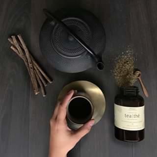 漫步花藝課程享用aveda福康茶