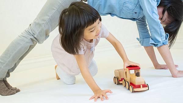 亼仁讓親職跟孩子玩在一起.jpg