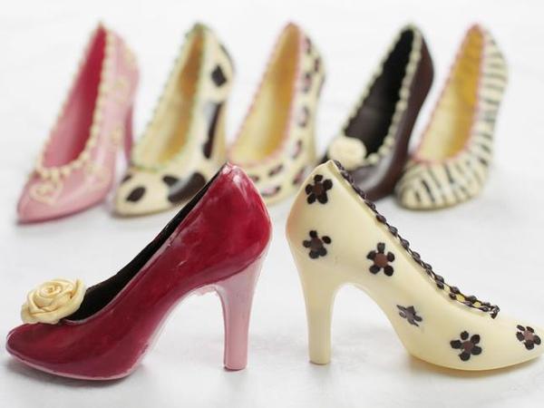 chocolate-shoes-chocochic.jpg
