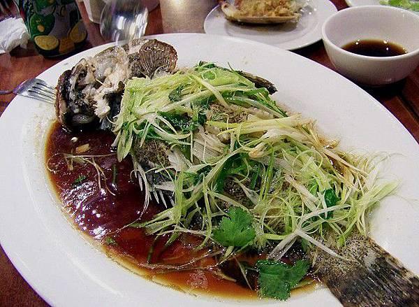 局長吃魚1.jpg