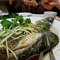 局長吃魚2.jpg