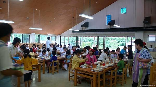 日本小孩進餐 (5).jpg