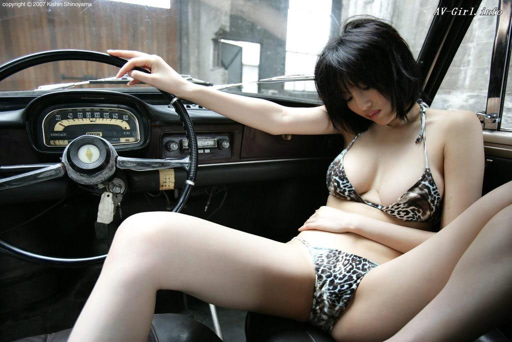 Kishin Shinoyama 森下悠里028-2