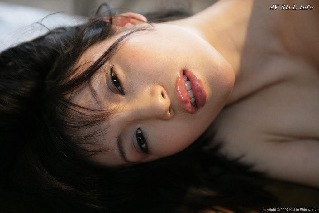 Kishin Shinoyama 森下悠里053-2