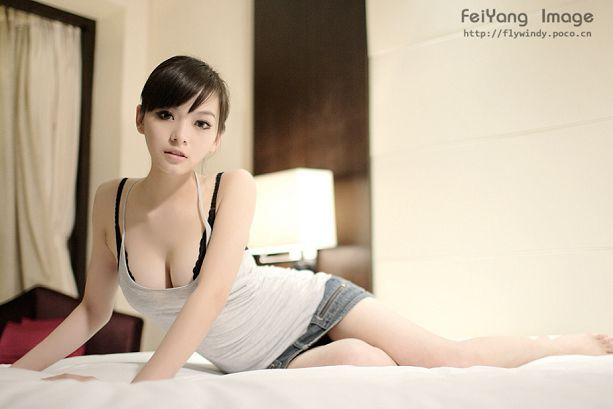 王若伊-049
