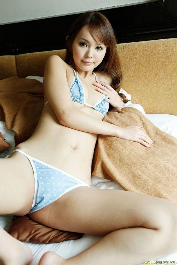 丘咲EMIRI(Emiri Okazaki)052