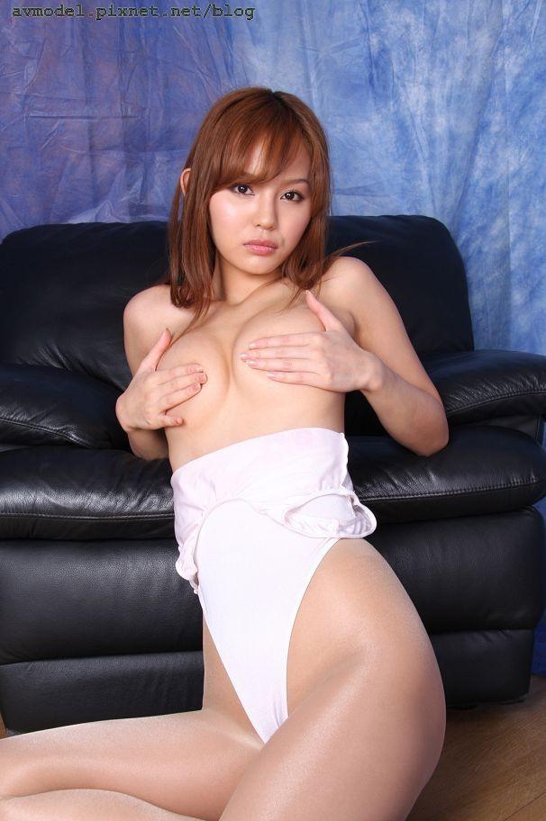 丘咲愛米莉(Emiri Okazaki)50