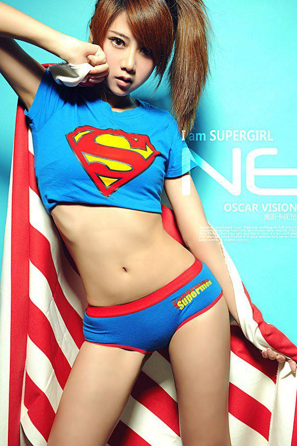 夏小薇超人服
