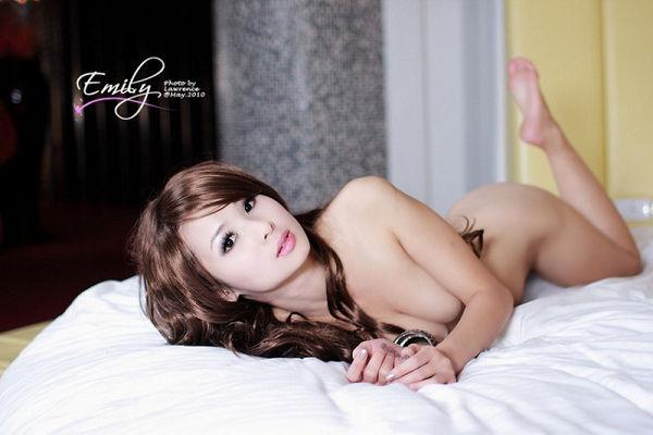 Emily(039)