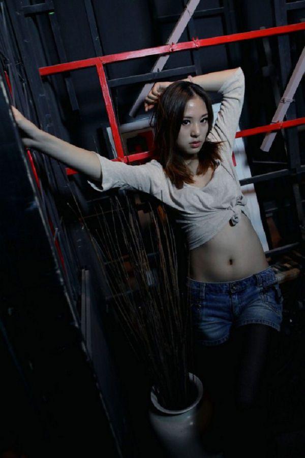 於汶欽EMMA-094