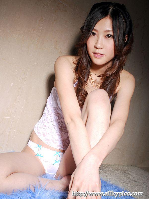 Kotone Amamiya 雨宮琴音 -015