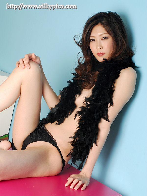 Kotone Amamiya 雨宮琴音 -037