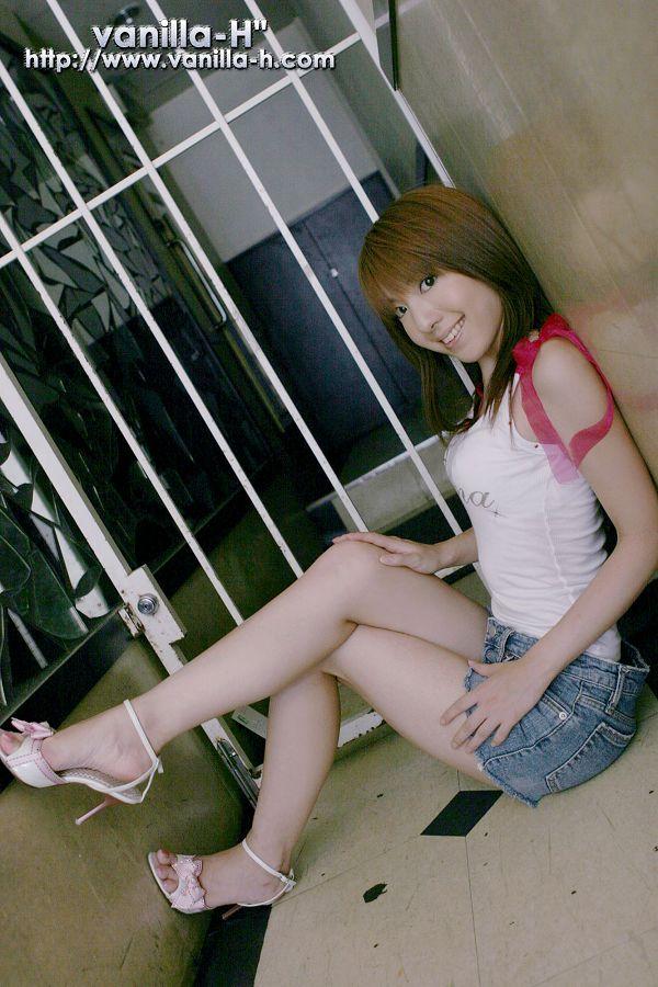 Yuuna Shiomi 汐見優奈-003