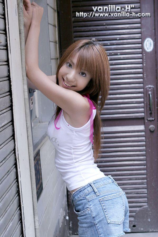 Yuuna Shiomi 汐見優奈-001